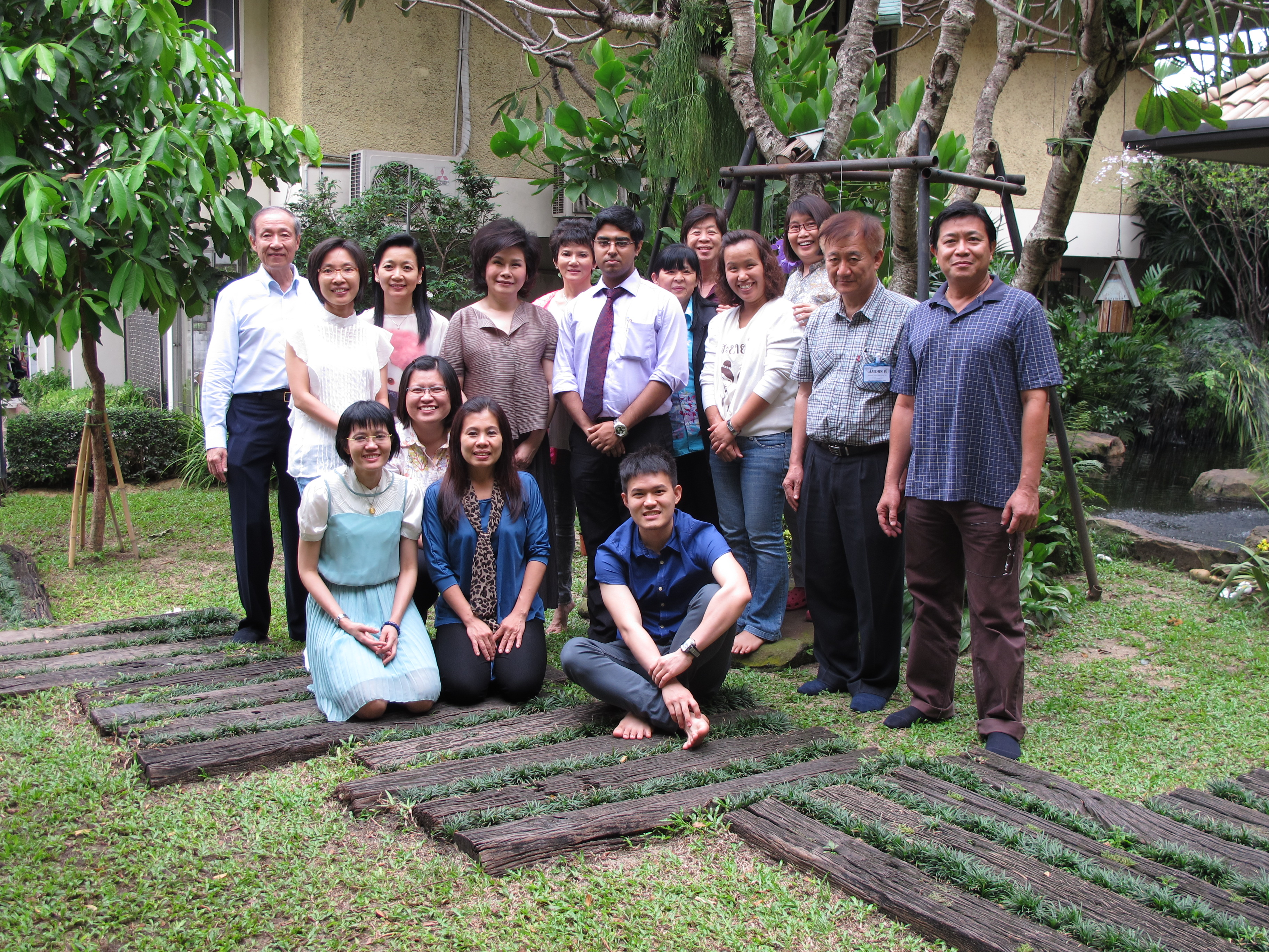 Dr. Saptarshi Banerjea with his Thai Students