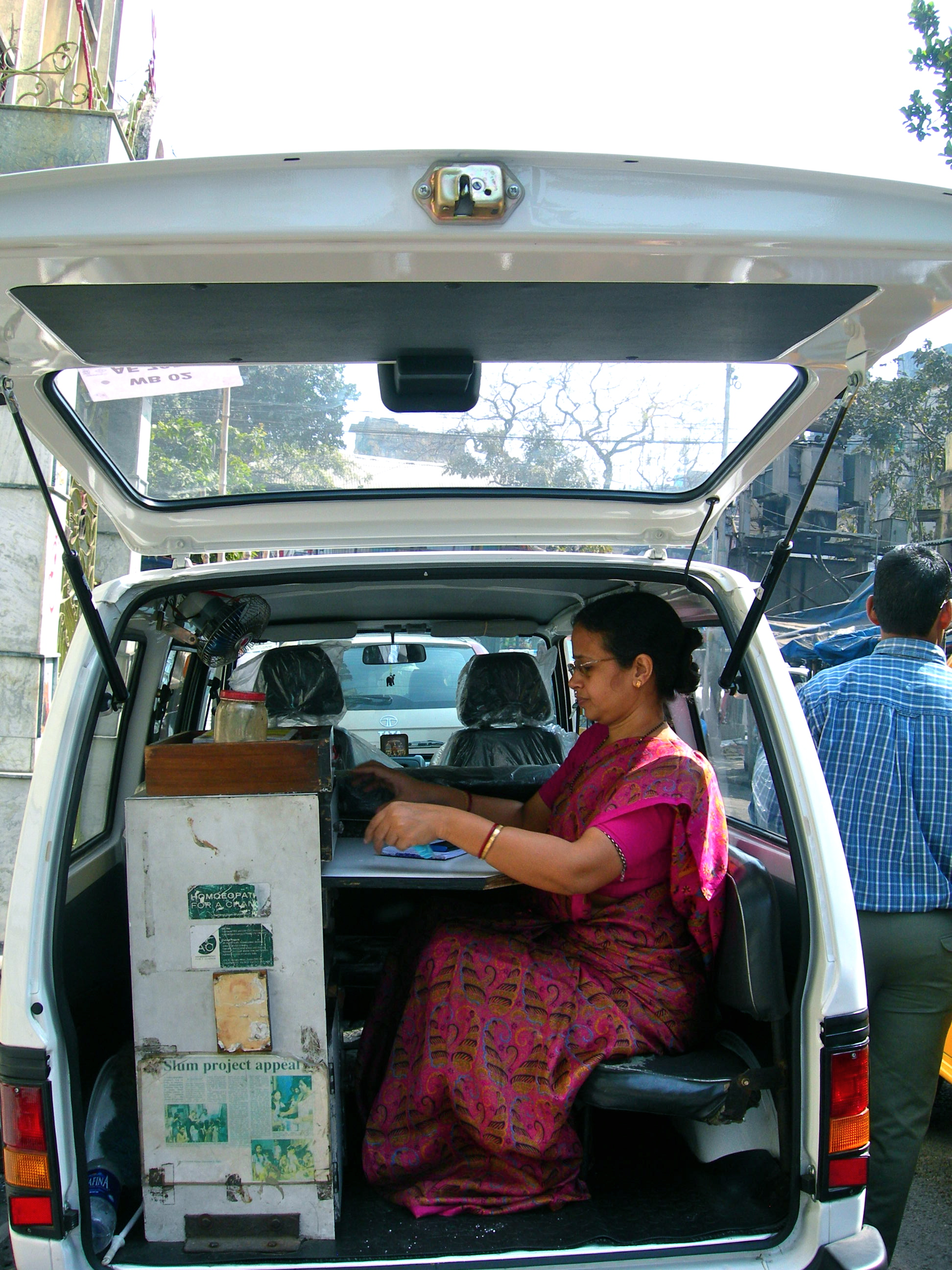 Dr. Kakoli regularly prescribes from the Mobile Van which visits different slums of Calcutta