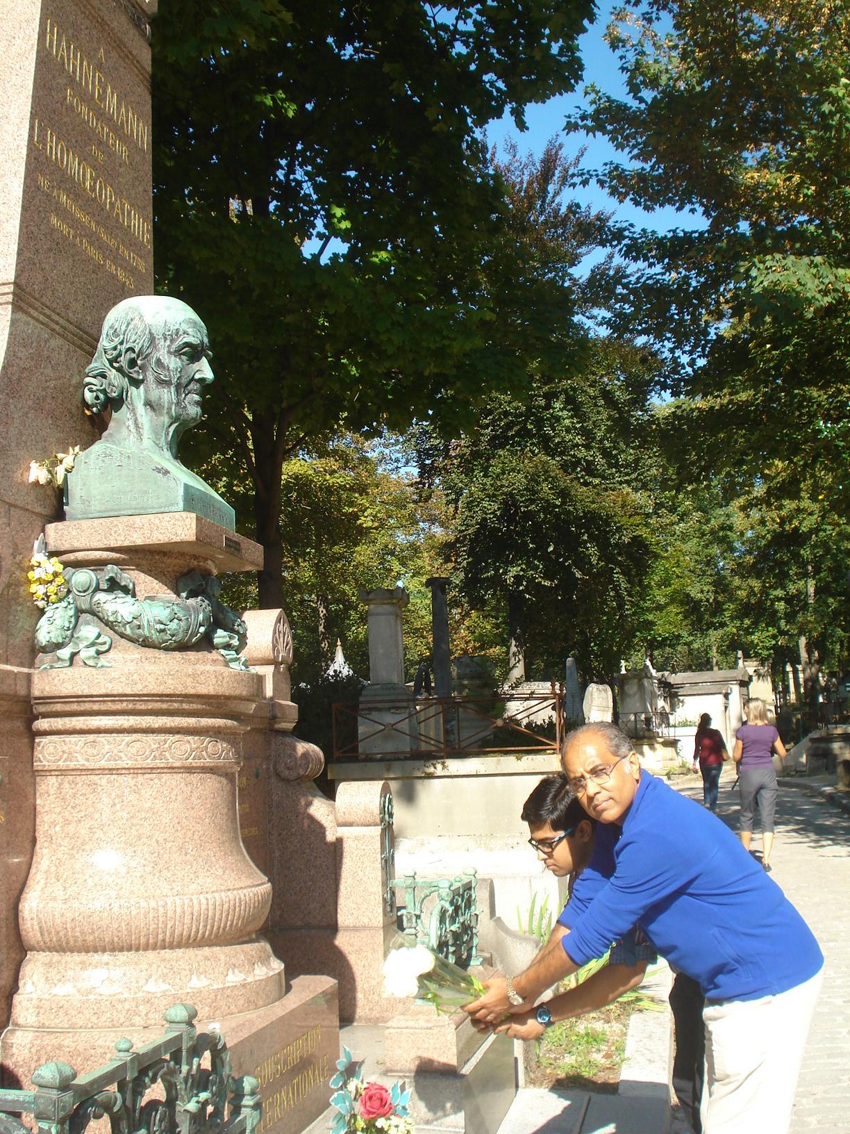 Saptarshi & Subrata in Hahnemann's Grave, Paris 2013
