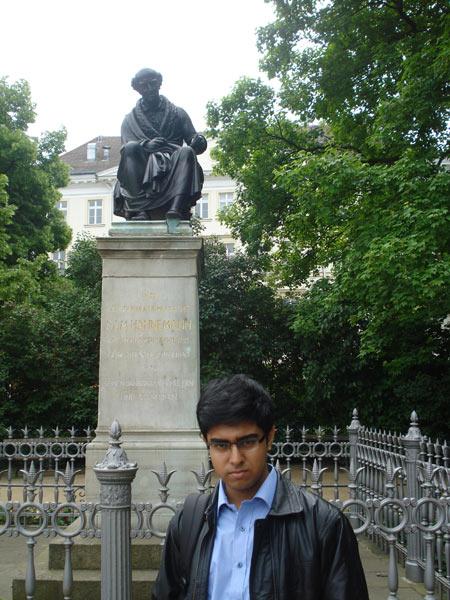 Saptarshi in Hahnemann's monument, Leipzic.