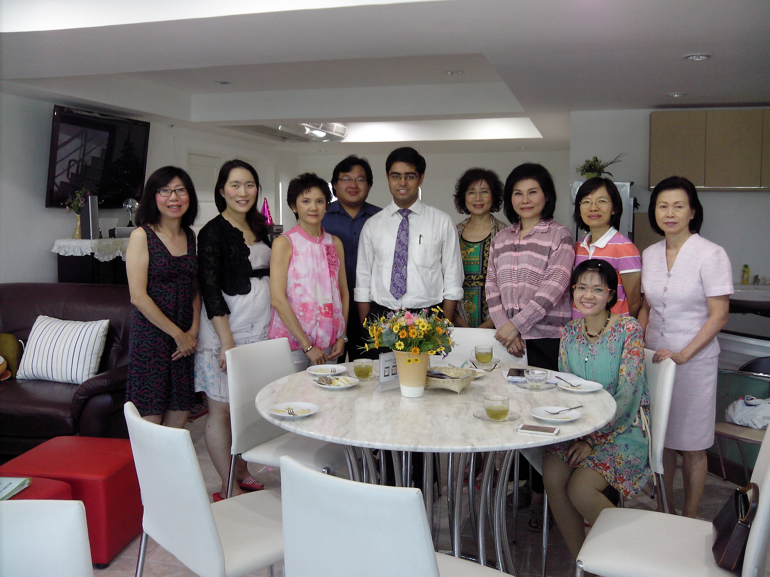 Dr.Saptarshi with the entire Thai group in the 4 day session in Bangkok,2013.